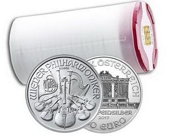 серебряные монеты производят в чехлах